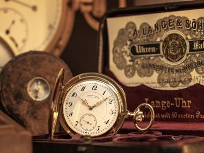 Veilen van exclusieve horloge bij Veilinghuis De Ruiter